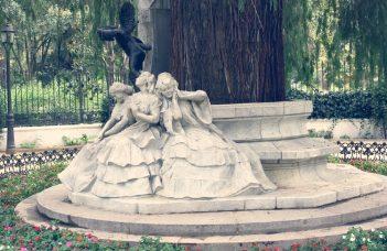 Monumento a Becquer en el Parque de Maria Luisa Sevilla